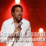 Testo e Accordi per Chitarra di All Night Long – Lionel Richie