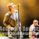 Testo, Accordi e Tablatura per Chitarra di The Importance Of Being Idle – Oasis